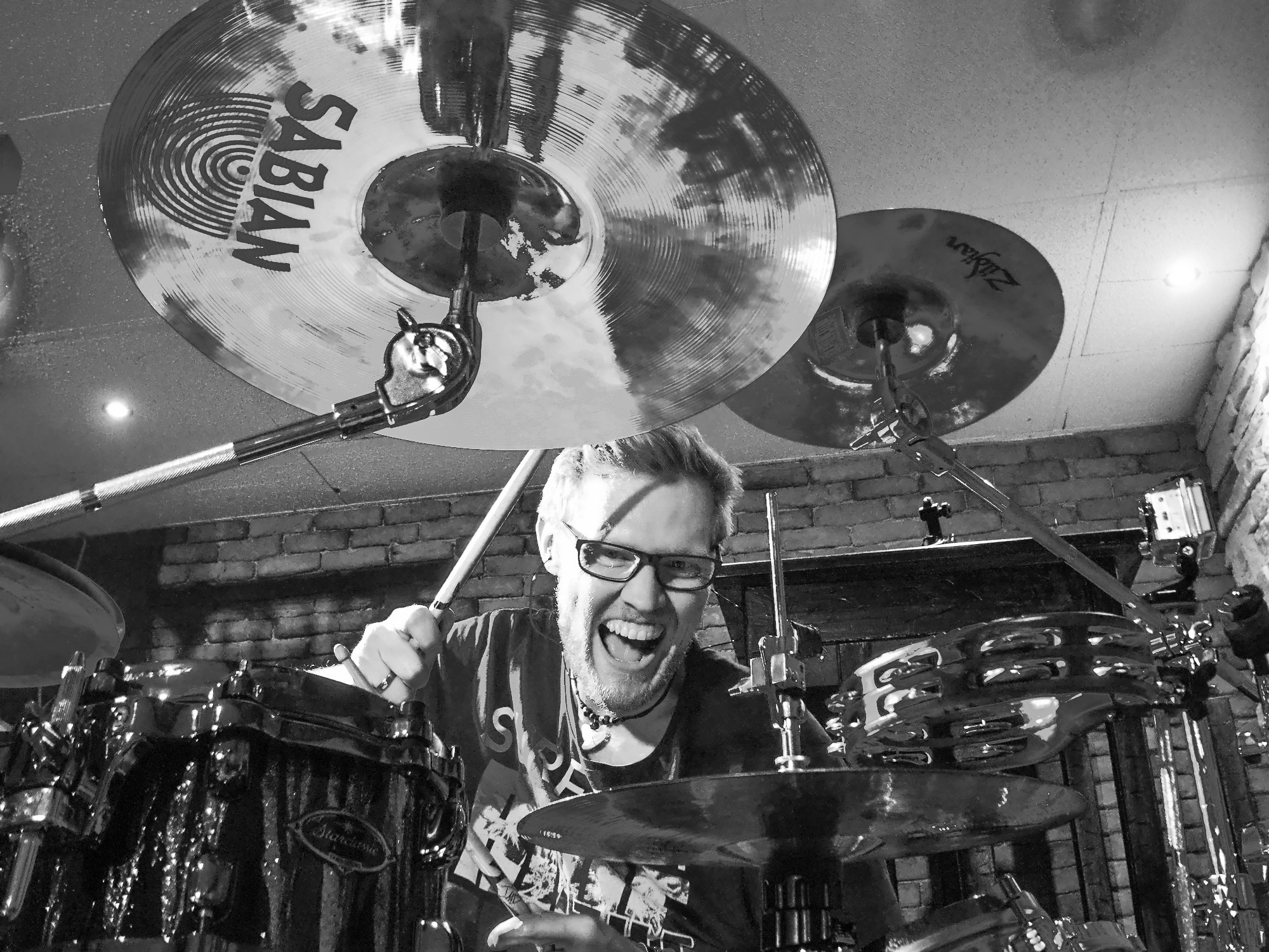 MARKUS (Drums, Percussion)